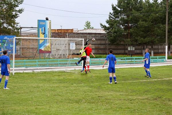 В лечебно-исправительном учреждении № 7 проведен футбольный матч между командой осужденных и сборной г. Кирсанова